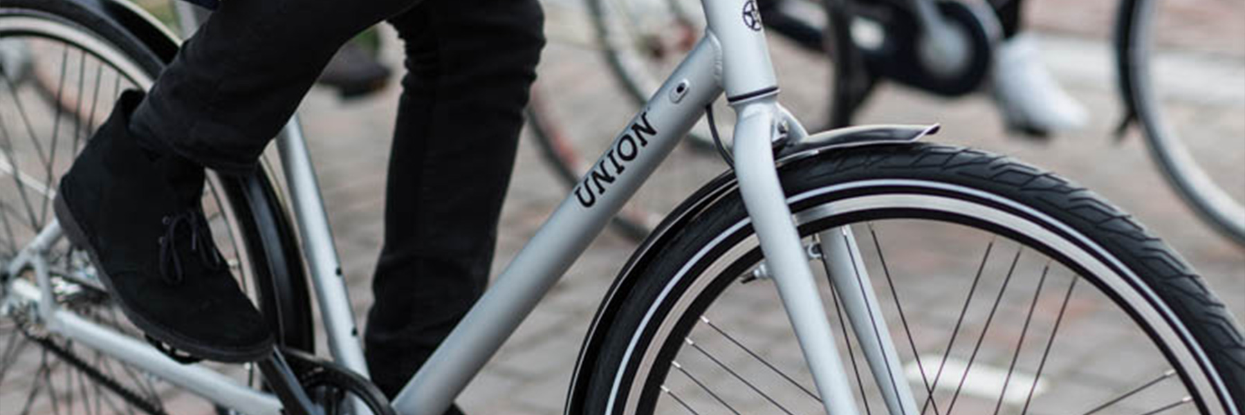 Close up riemaandrijving Union fiets