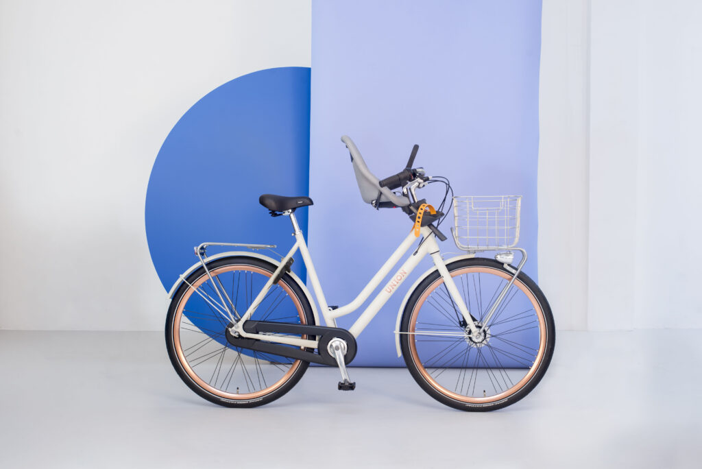 Union fiets met kinderzitje voorop